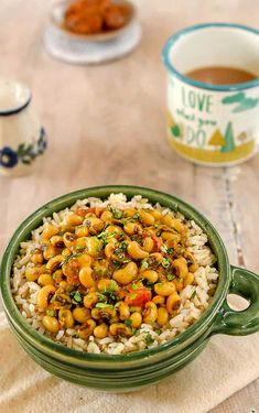 Vegan Instant Pot Black-Eyed Pea Curry with Spinach from Indian Instant Pot Cookbook by Urvashi Pitre    #instantpot #veganinstantpot #blackeyedpea #2018 #newyear #newyearnewyou #vegan #veganrecipes #veganfood