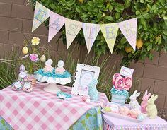 Pretty Easter party table