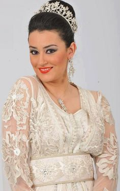 Bridale, caftan, Moroccan journalist and tv host Nabila kilani.