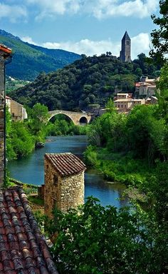 The Village Of Olargues, Hérault, Languedoc-Roussillon, France°°