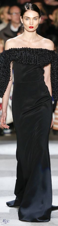 Christian Siriano Fall Winter 2016 dazzles with chunky knits, knit  patterns, chic sweater styles and flowing evening wear and party dresses. 4a9b7f6ceda