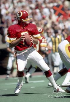 Washington Redskins quarterback Joe Theismann