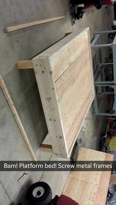 Platform Bed Designs, Diy Platform Bed, Diy House Projects, Diy Wood Projects, Pallet Furniture, Furniture Projects, Lit Plate-forme Diy, Home Crafts, Diy Home Decor