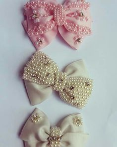 The Bubble Bow from Viscountess Diy Hair Bows, Ribbon Hair, Bow Hair Clips, Ribbon Bows, Diy Lace Ribbon Flowers, Fabric Flowers, Baby Girl Bows, Girls Bows, Fabric Jewelry