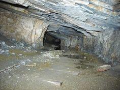 Socavón mina de carbón.