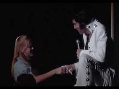 elvis presley kissing crazy girl shocking experience/So sweet & funny!!! - YouTube