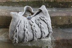 Rowan 52, Harbour Bag pattern by Sarah Hatton...~FREE pattern..