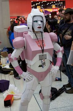 """How to make a Transformers """"Arcee"""" costume One of the few female characters in the Transformer Universe. No wonder the Transformers were always fighting. Arcee Transformers, Transformers Prime, Rescue Bots, Best Cosplay, Diy Costumes, Female Characters, Good Movies, Party Time, Harajuku"""