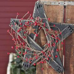 Tobacco Stick Star with Pip Berries and Rusty Stars - Primitive Buyout - Primitive Decor Scrap Wood Crafts, Barn Wood Crafts, Primitive Crafts, Craft Stick Crafts, Crafts To Make, Diy Crafts, Star Decorations, Patriotic Decorations, Christmas Decorations