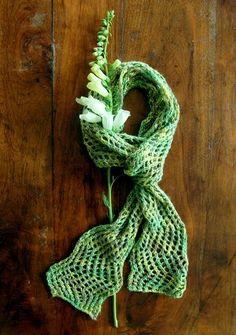 33 Knitting Patterns for Scarves: Lightning Fast Lace   AllFreeKnitting.com