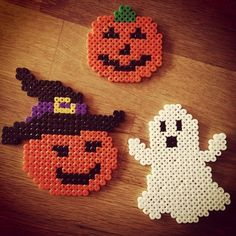 Halloween hama perler beads by Pony Bead Patterns, Pearler Bead Patterns, Perler Patterns, Beading Patterns, Deco Haloween, Theme Halloween, Halloween Crafts, Hama Beads Design, Diy Perler Beads