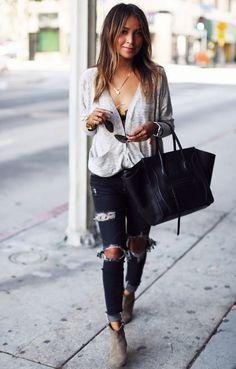 #Julie #Sariñana twisted top + chic distressed denim jeans
