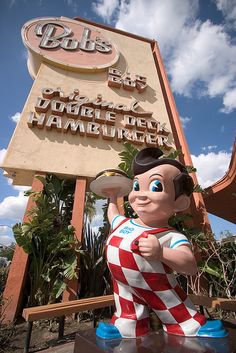 Bob's Big Boy in Los Angeles, California. San Diego, Photos Originales, I Love La, Vintage Restaurant, Roadside Attractions, Old Signs, California Dreamin', My Childhood Memories, Childhood Toys