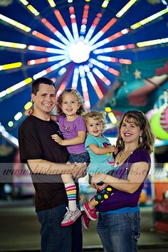 Going to the Fair - Birmingham Alabama State Fair Family Portraits - His Hands Photographs Fair Photography, Children Photography, Carnival Photo Shoots, Picture Ideas, Photo Ideas, Fair Pictures, Birmingham Alabama, Park Photos, Family Pics
