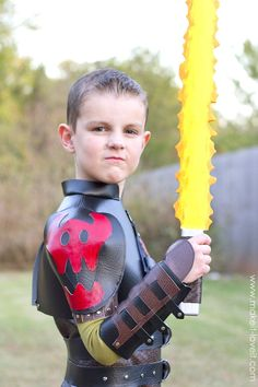 Best How To Train Your Dragon Costume Hiccup Ideas - Kids costumes Dragon Halloween Costume, Top Halloween Costumes, Diy Costumes, Halloween Kids, Costume Ideas, Book Costumes, Halloween 2019, Halloween Crafts, Hiccup Costume