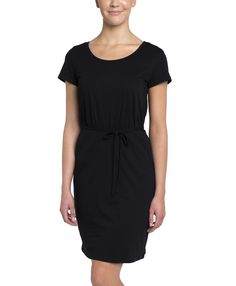 Super soft organic cotton women's pocket dress from Wear PACT. Fair Trade Certified cotton pocket dress that hits in all the right places. Shop organic now!