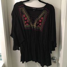 Black peasant top Perfect for summer! Lightweight and versatile. Throw on with a pair of shorts for summer and then take it into fall with jeans and boots! Runs a bit small. Tops Blouses