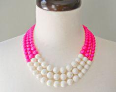 Color Block Triple Decker collar - en neón Mix color de rosa / marfil - 3 Strand collar de perlas de colores