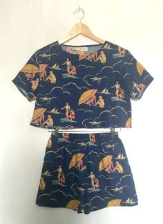 Box top in a perfect print with matching shorts. Perfect summer outfit!