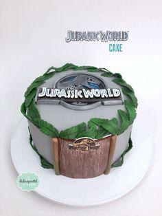 Jurassic World Cake 🦖🌿🦖 Torta Mundo Jurásico 🌿🦖🌿 #jurassicworld #jurassicworldcake 🦖🌱#mundojurasico #tortamundojurasico #tortaspersonalizadas #tortastematicas #cupcakesmedellin #tortasartisticas #tortasporencargo #tortasenvigado #gilbertogranados #granadosarte 8th Birthday Cake, Dinosaur Birthday Cakes, Adult Birthday Cakes, Jurassic World Cake, Jurassic Park Party, Dinasour Cake, Pjmask Party, Dino Cake, Cakes For Boys