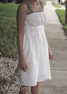 pleated dress free sewing tutorial by @mellysews