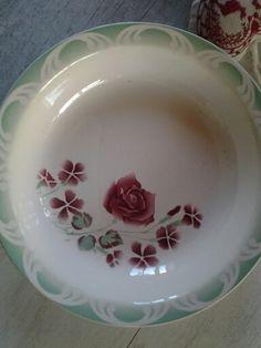 Digoin Sarregueminus...My favorit serving plate...Nestor