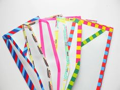 Dress up your envelopes with striped washi tape. The 52 Easiest And Quickest DIY Projects Of All Time Washi Tape Crafts, Paper Crafts, Washi Tapes, Craft Gifts, Diy Gifts, Do It Yourself Baby, Carton Invitation, Pot A Crayon, Decorated Envelopes