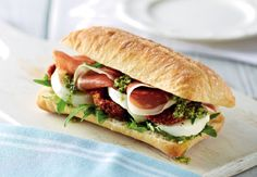 On the ALDI webpage you get all information about ALDI, Special Offers, Stores, etc. Picnic Date, Summer Picnic, Date Recipes, Picnic Foods, Ciabatta, Sandwiches, Lunch Box, Picnics, Lunch Ideas
