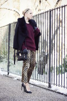 wonderfull to see Phillip Lim Bag, Leopard Pants, Autumn Winter Fashion, Winter Style, Sweater Outfits, Black Sweaters, Stylish Outfits, Fashion Forward, Fashion Show