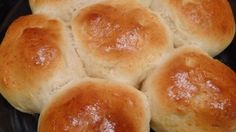 Looking for a quick, easy recipe to get you baking? Then try these easy homemade dinner rolls recipe! Guaranteed to be an enjoyable meal! Homemade Dinner Rolls, Dinner Rolls Recipe, Bread Recipes, Cooking Recipes, Vegetarian Recipes, Pizza Recipes, Cooking Tips, Healthy Recipes, Baked Rolls