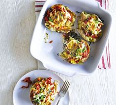 Pizza baked potato - Bake for mins, adding the courgettes and chilli 15 mins before the cooking time is up. Stir through the basil leaves and serve. Bbc Good Food Recipes, Pizza Recipes, Dinner Recipes, Cooking Recipes, Appetizer Recipes, Pizza Bake, Risotto Recipes, Fodmap Recipes, Family Meals