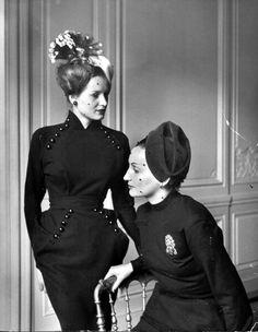 Dior 1947 vintage designer couture fashion dress wool long sleeve avant sheath hip accent unique 40s 50s models magazine black