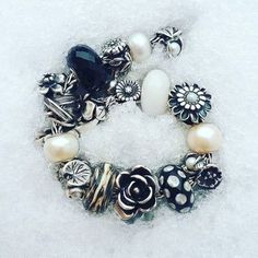 Take a look at how customers and trollbeads collectors style their collection. Get style inspiration and ideas from this trollbeads page. Pandora Beads, Pandora Jewelry, Pandora Charms, Beaded Necklace, Beaded Bracelets, Charm Bracelets, Gypsy Jewelry, Monochrom, Girls Jewelry