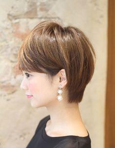 ミセス・大人の耳掛けショートヘア(KE-487) | ヘアカタログ・髪型・ヘアスタイル|AFLOAT(アフロート)表参道・銀座・名古屋の美容室・美容院