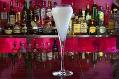 ¿Has probado nuestro Sake Sour? ¡Es fantástico! Especialmente pensado para quiénes aman la esencia de esta preparación junto a los ingredientes especiales de la barra.