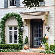 The Potted Boxwood (@thepottedboxwood) • Instagram photos and videos Arch Enemy, Curb Appeal, Entrance, Pergola, Outdoor Structures, House Architecture, Landscape, Jasmine, Ivy