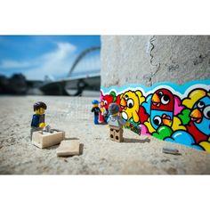 Street art Galerie présente les photographies de l'artiste #Samsofy #lego #streetart