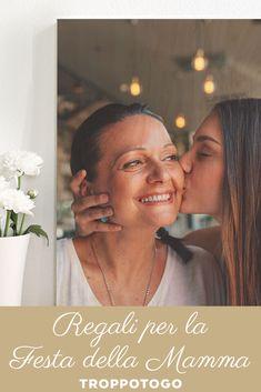 Un regalo originale e personalizzato per dirle quanto le vogliamo bene! #festadellamamma #mothersday #regalo #regali #ideeregalo #mamma #regalimamma #regaliperlei #regalipersonalizzati Hoop Earrings, Gift, Earrings