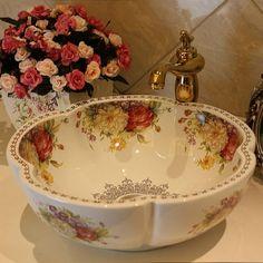 image Estilo Shabby Chic, Shabby Chic Decor, Bathroom Basin, Bathroom Fixtures, Basin Sink, Washroom, Shabby Vintage, Vintage Decor, Europe Fashion