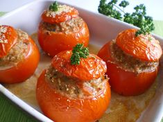 C: Tomates farcies à la française. I will make this dish again and again. Quick Recipes, Meat Recipes, Cooking Recipes, French Dishes, French Food, Traditional French Recipes, Pasta Sauce, Slow Cooker, Mushroom Stroganoff