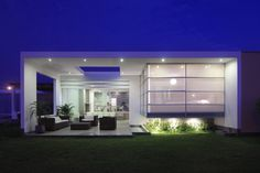 30 Spectacular Modern Glass Facades Presented on Freshome