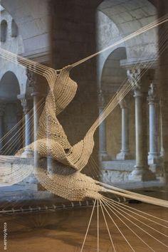 Sculpture Textile, Textile Fiber Art, Textile Artists, Sculpture Art, Fibre Art, Instalation Art, Rope Art, English Artists, Weaving Art