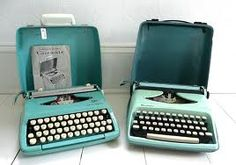 """petite typewriter.... had exactly the same; another Christmas present one year..... this led to hours of playing """"office's"""""""