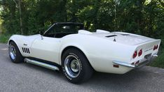 Corvette Styngray convertible de 1969 Old Corvette, Chevrolet Corvette, Chevy, Square Body, Native American Women, Street Rods, What Is Like, Angles, Hot Rods