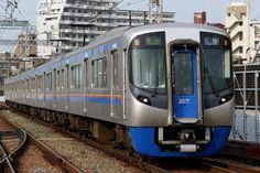 https://upload.wikimedia.org/wikipedia/commons/e/e8/Nishi-Nippon_Railroad_-_Series_3000_-_01.JPG