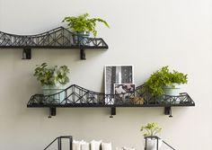 Iron bridge shelf unit - Home Accessories Best of 2019 Unique Wall Shelves, Wall Shelves Design, Display Shelves, Storage Shelves, Display Ideas, Small Apartment Decorating, Decorating On A Budget, Fire Escape Shelf, Regal Design