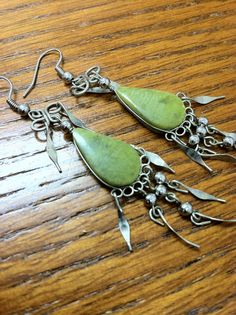 Check out this item in my Etsy shop https://www.etsy.com/listing/225222895/vintage-silver-and-turquiose-earrings