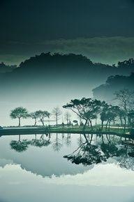 Taiwan's Gorgeous Moon Bridge: 大湖公园 (Great Lakes Park), Taiwan