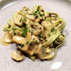 Danish Food, One Pot Pasta, Yummy Eats, Pasta Dishes, Italian Recipes, Love Food, Great Recipes, Food Porn, Food And Drink