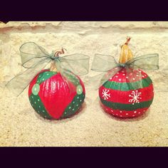 Repurposed pumpkins for Christmas Christmas Pumpkins, Christmas Porch, Outdoor Christmas, Country Christmas, Halloween Pumpkins, Christmas Holidays, Christmas Bulbs, Happy Holidays, Xmas